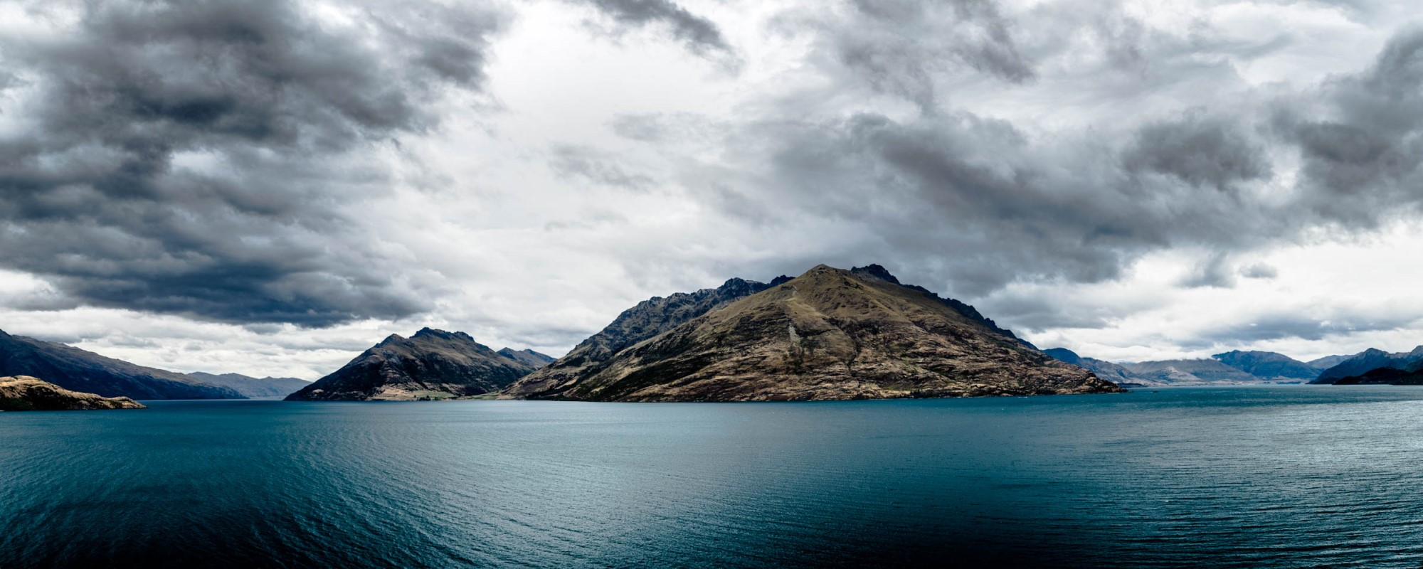 Lake Wakatipu and mountains