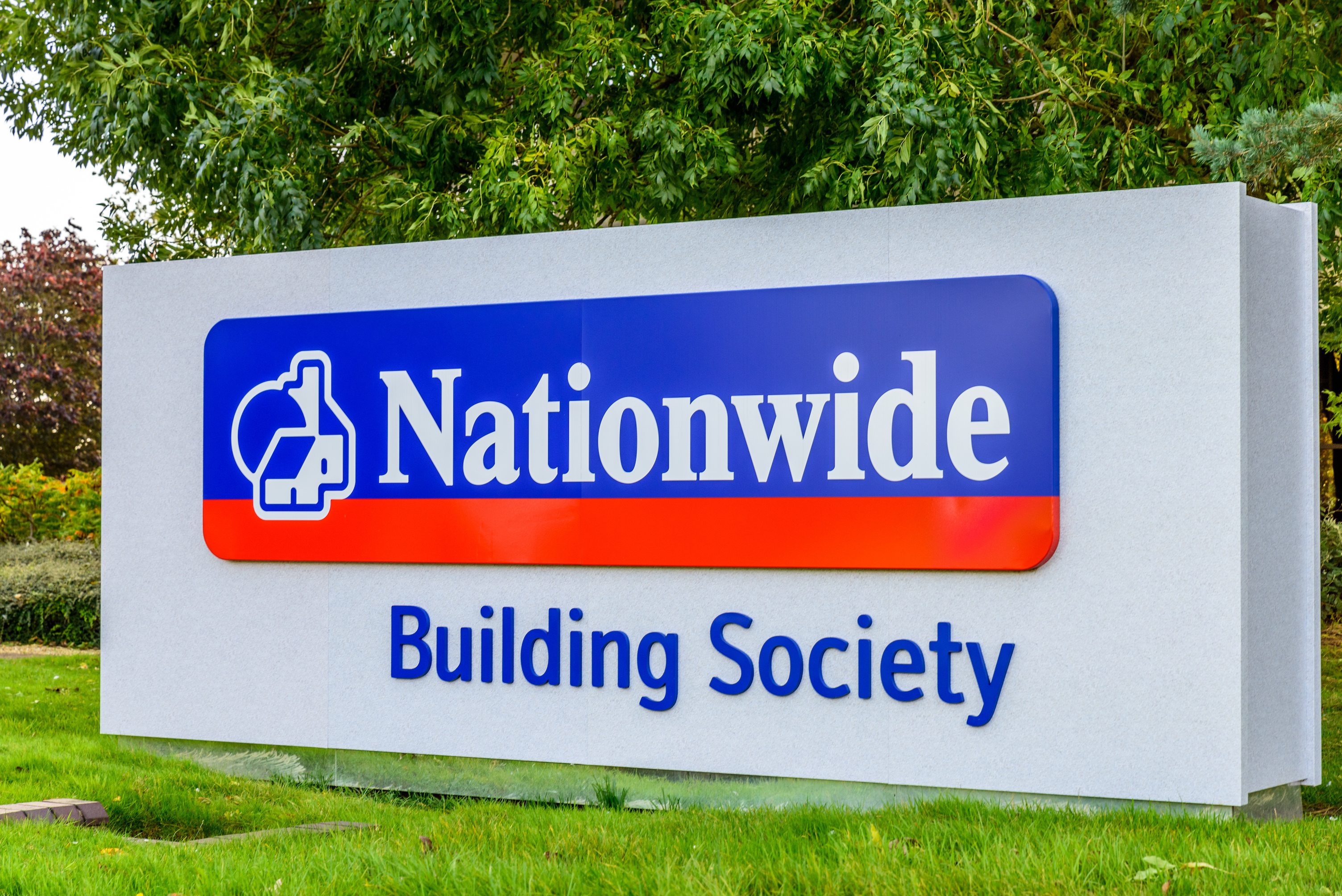 """Nationwide to deliver """"game-changing"""" service for small businesses as it takes stake in leading fintech"""