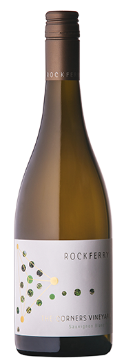 The wine shows concentrated gooseberry and tropical fruit aromas, complemented by subtle oak and mineral nuances.