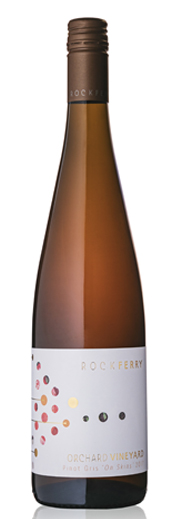 This full bodied Pinot Gris has a concentrated palate with stong flavours of peach and spice. A touch of tannin comes in leaving this wine with a serious finish but packed with personality.