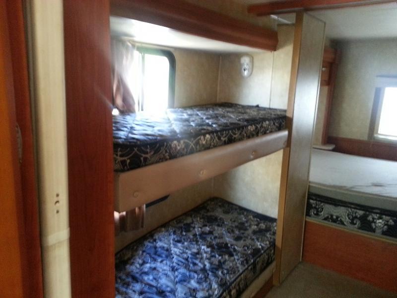 GT-Bunkhouse Bunk Beds