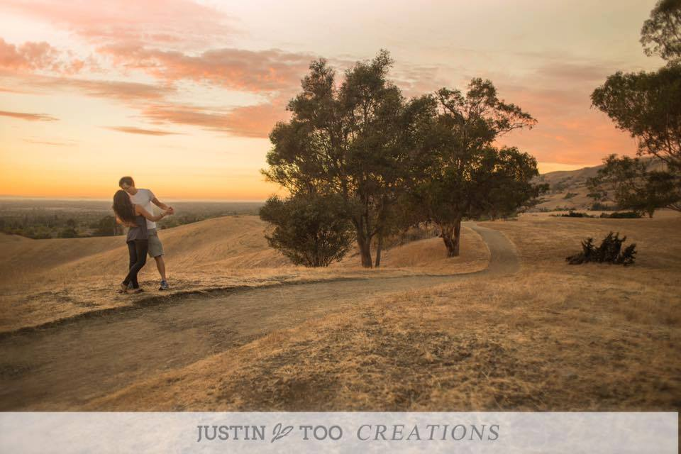 sunset photography, couple kissing