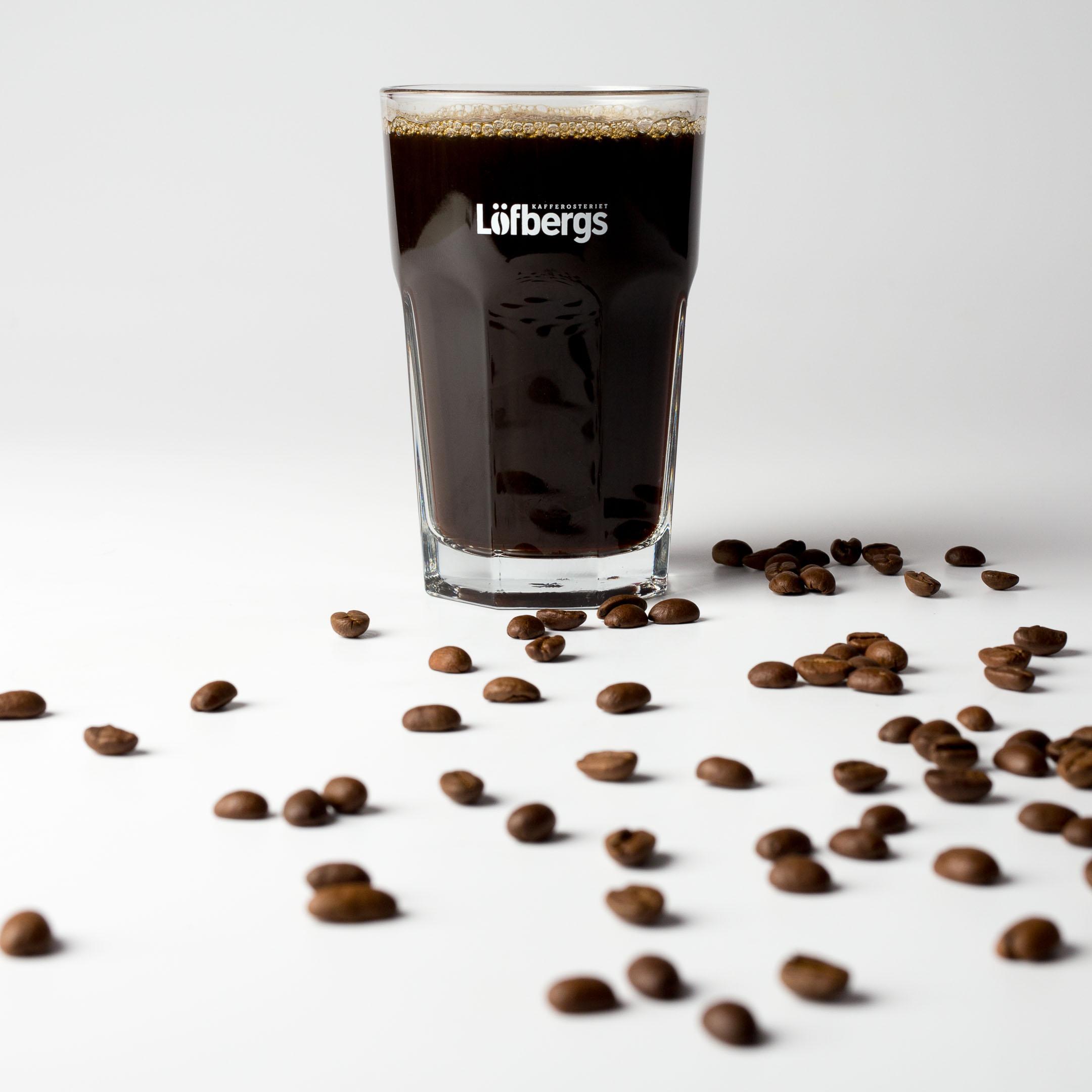 produktfoto kaffe löfbergs lila