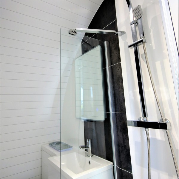 Glamping Pod - Ensuite Shower
