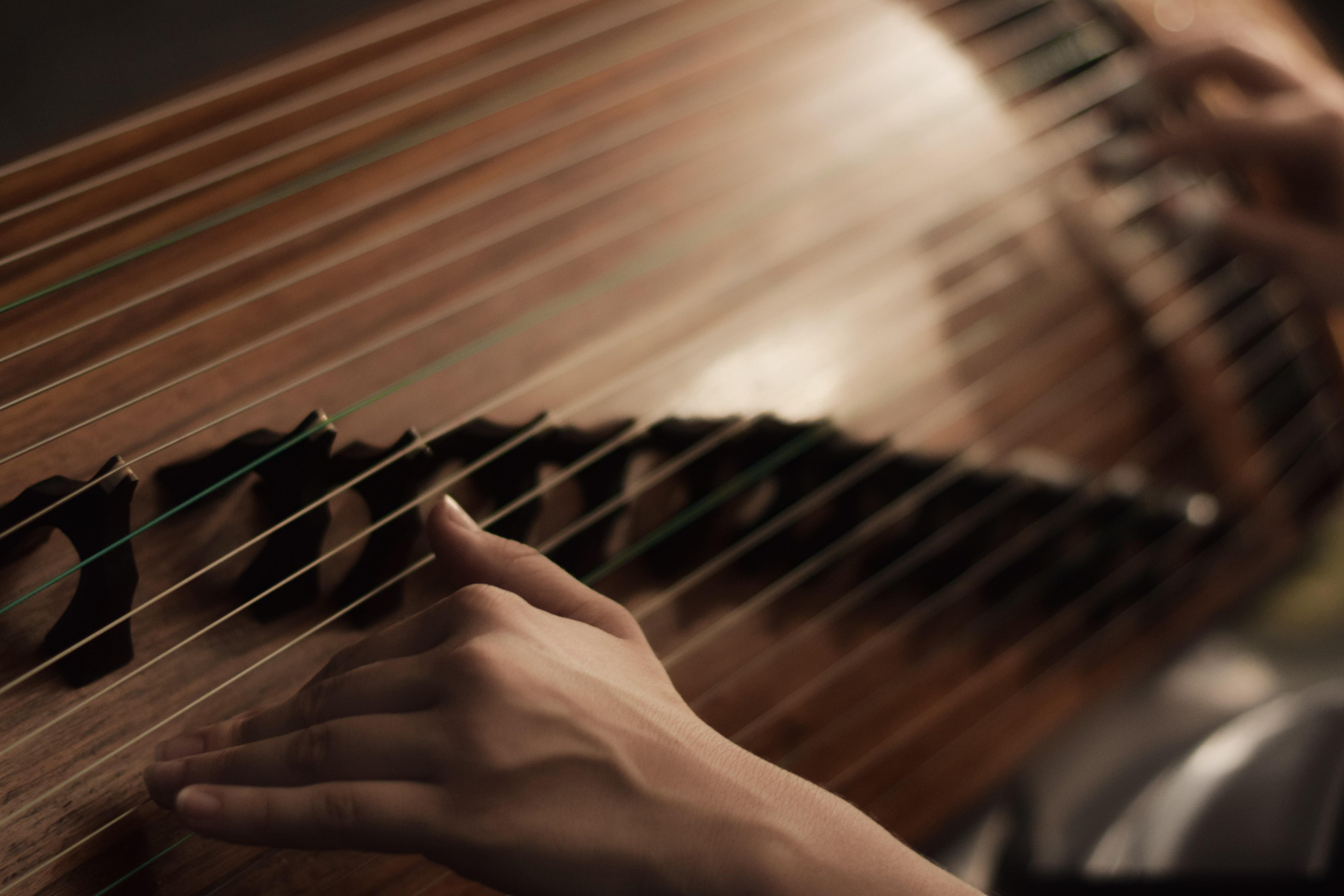 Guzheng hands