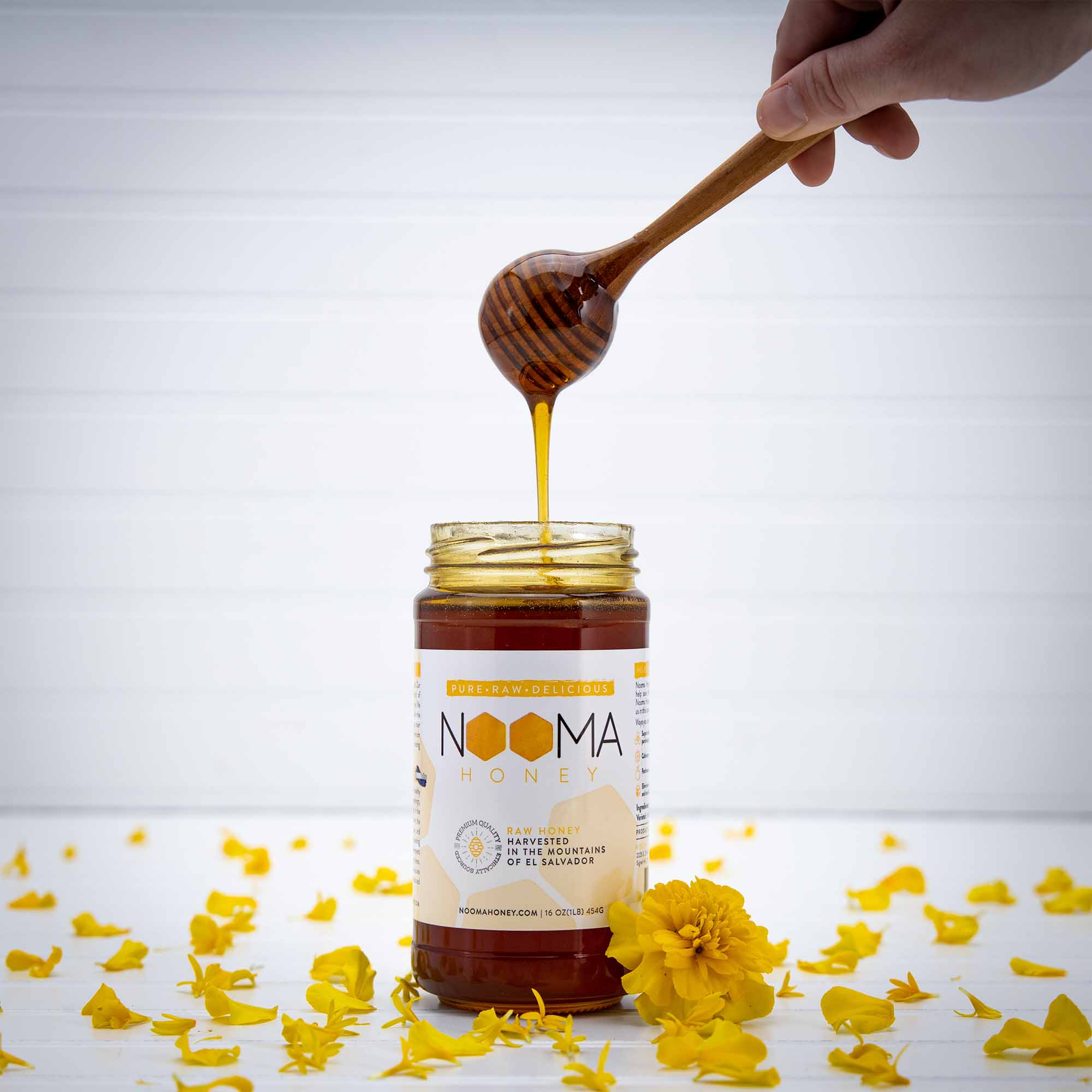 Nooma Honey Product Photo