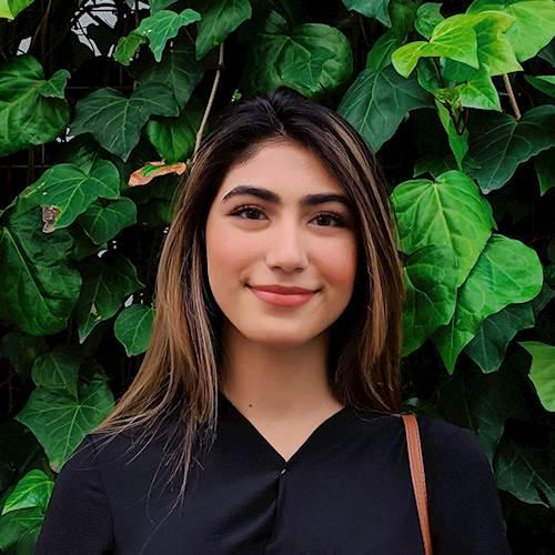 Anoosha Sajjad headshot