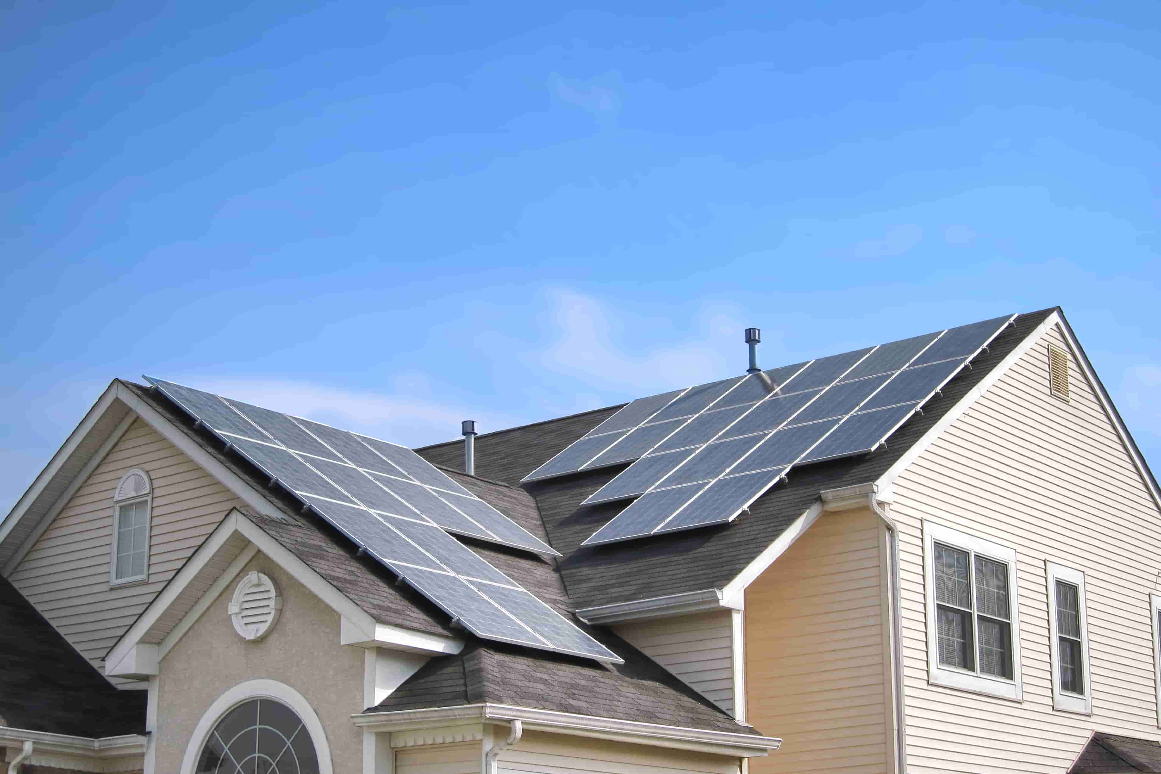 Can solar panels withstand hail? Yes!