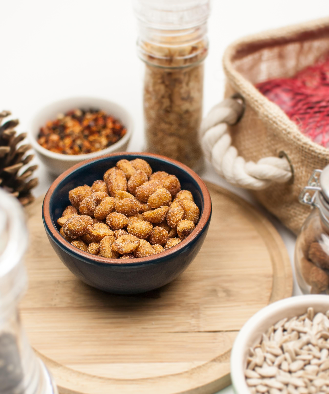 contectual-ramekin-honey-roasted-peanuts