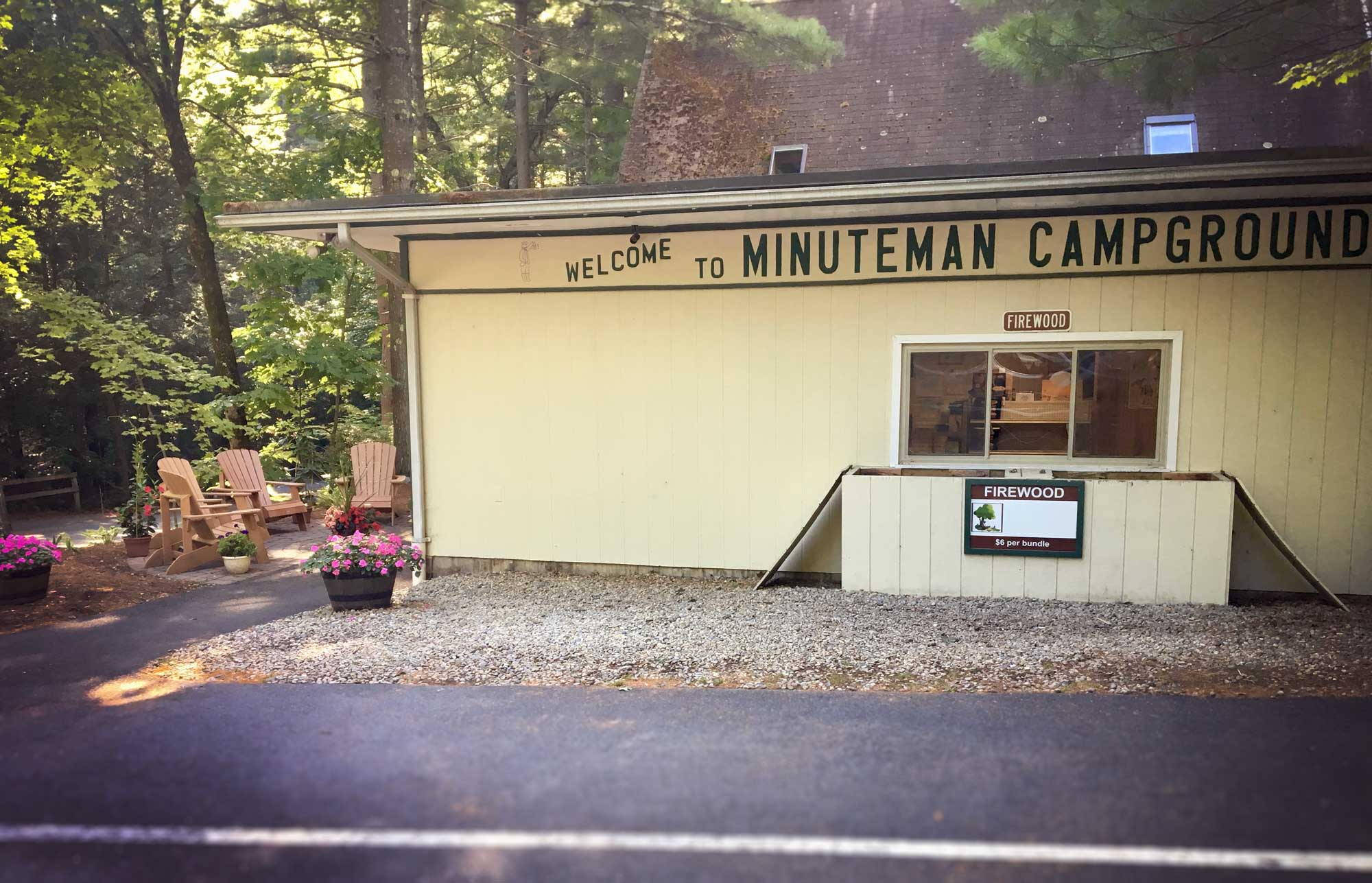 Exterior Boston Minuteman Campground check in building, Massachusetts