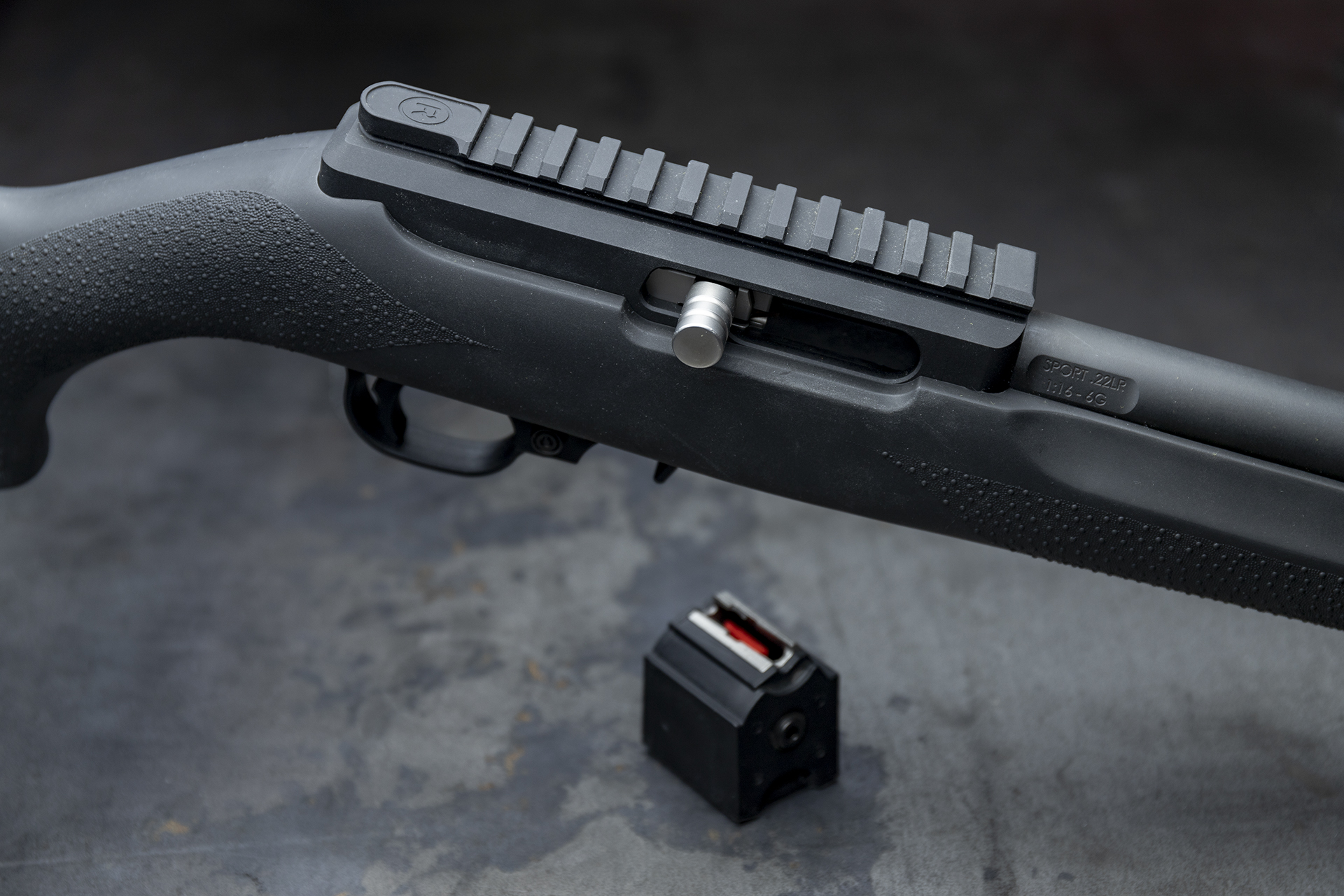 Radical22 bolt rail mag