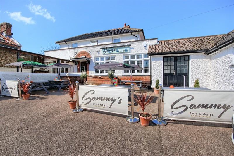 Sammys Restaurant - Daytime Exterior