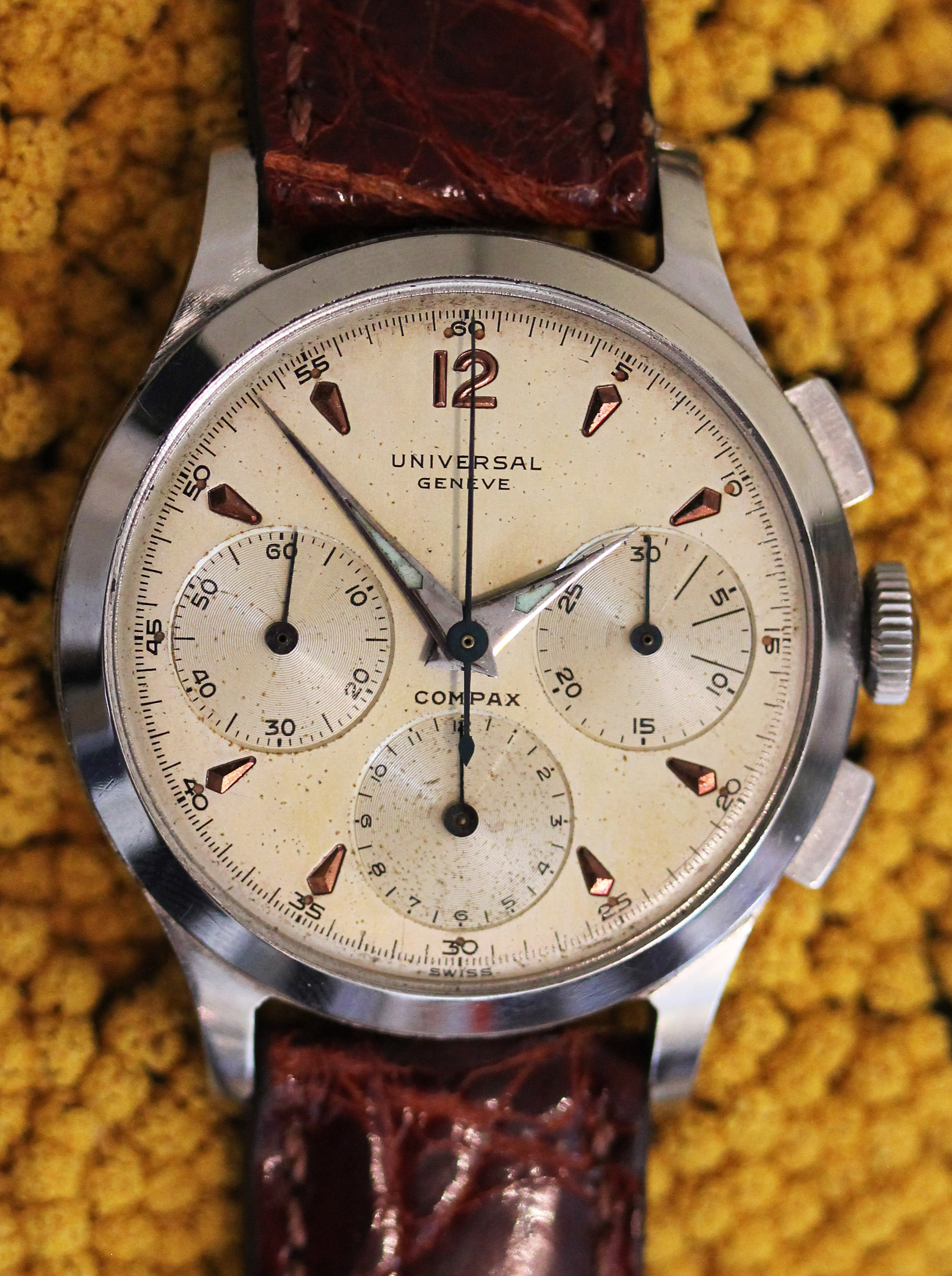 "UNIVERSAL Geneve ""Compax"""