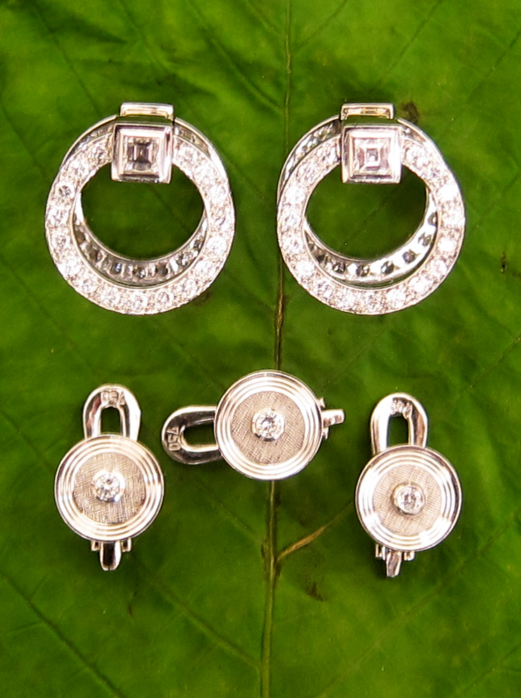 Cufflinks with studs in white gold with diamonds