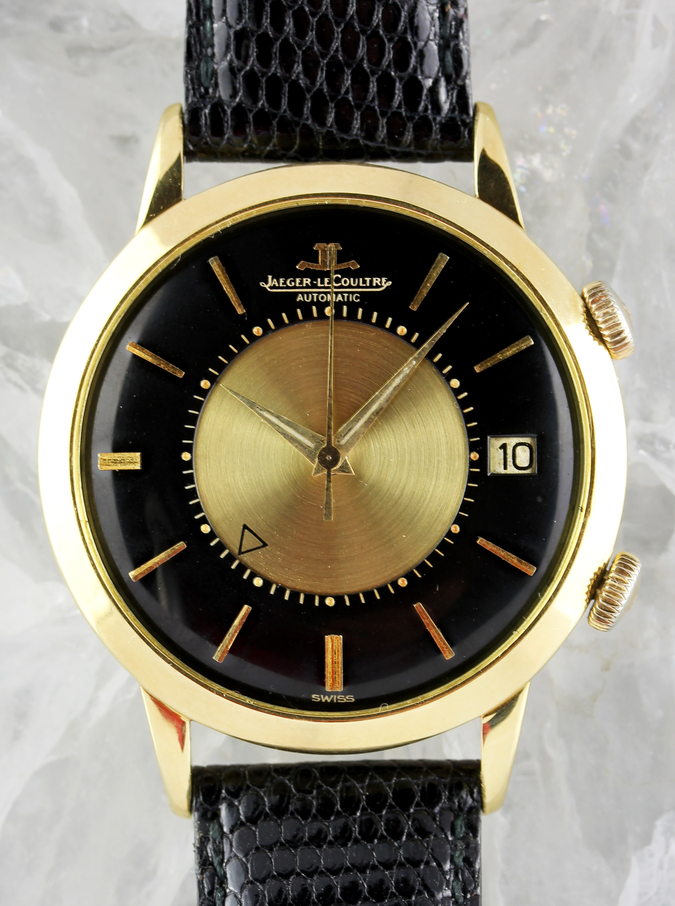 Jaeger LeCoultre Memovox in gold