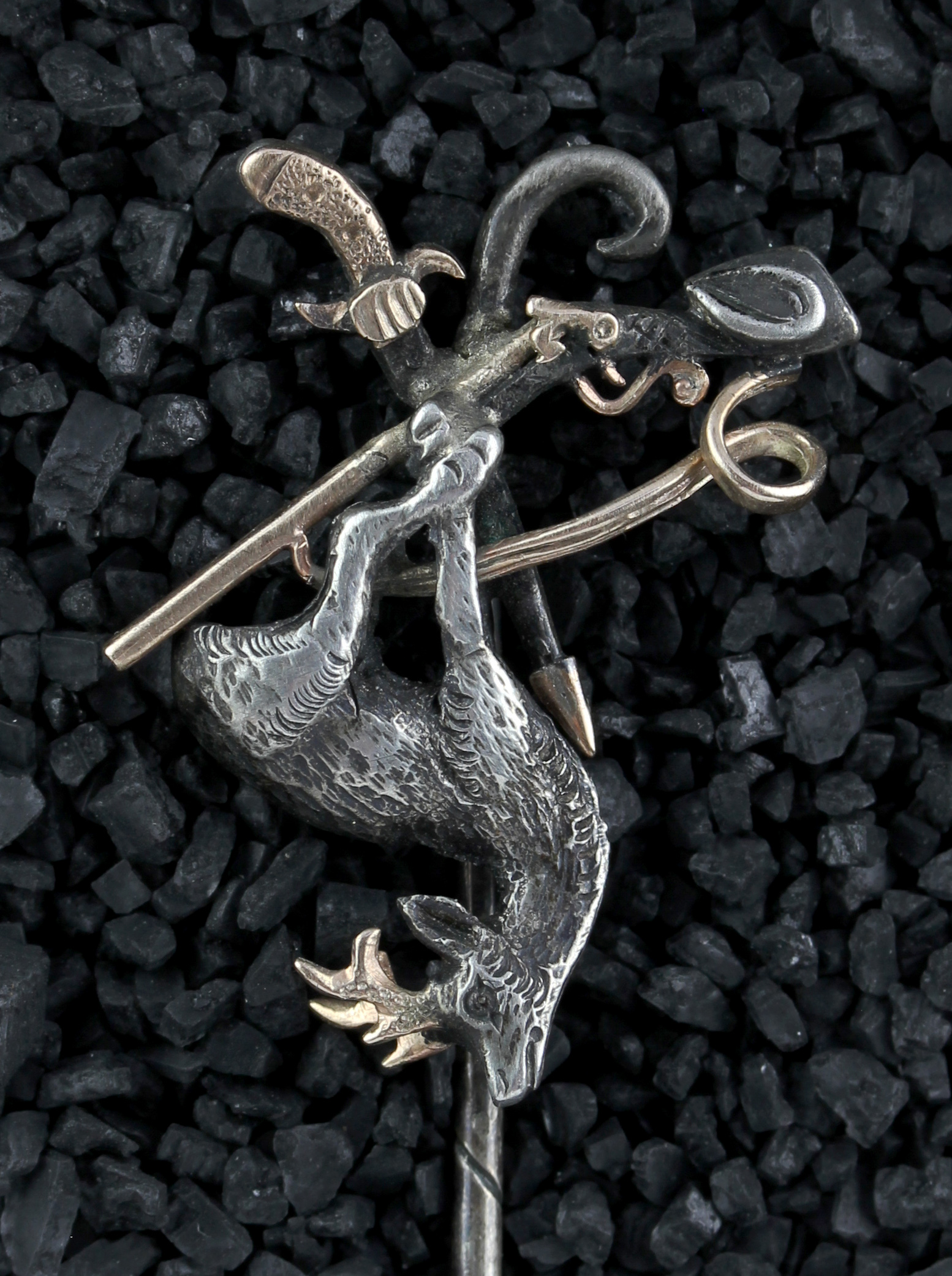 Lapel pin with a roebuck in silver & gold