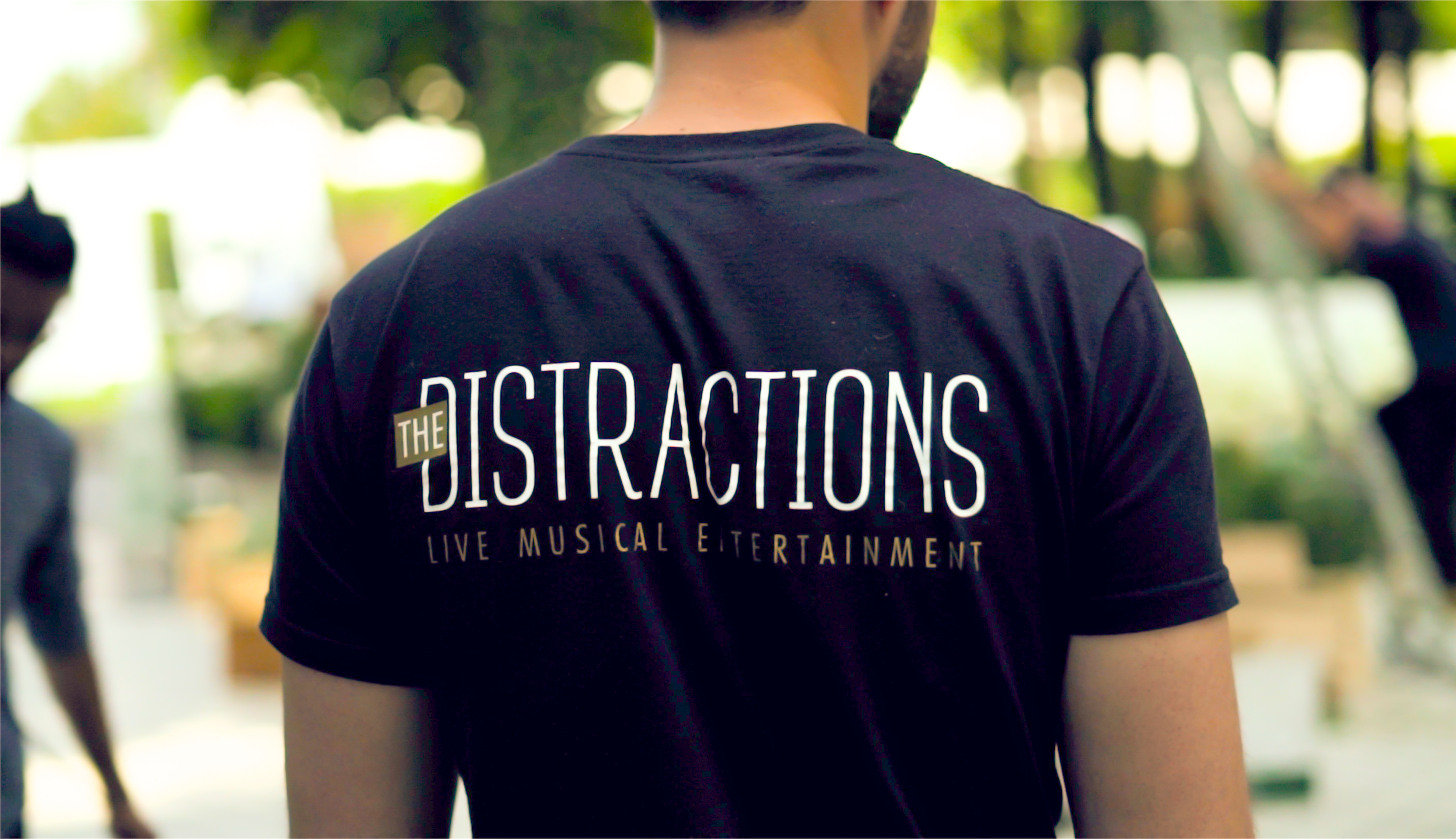 The Distractions Logo