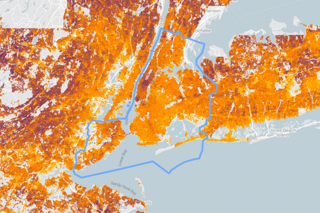 The project Sunroof calculates the solar potential of a city's roofs. The lighter the color, the more electricity can be produced. In New York, for example, it is often cloudy.