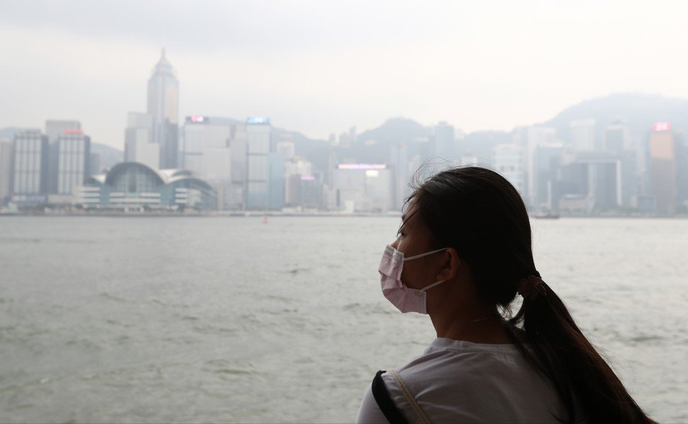 Simple face masks offer scant protection against pollution. Photo: Nora Tam