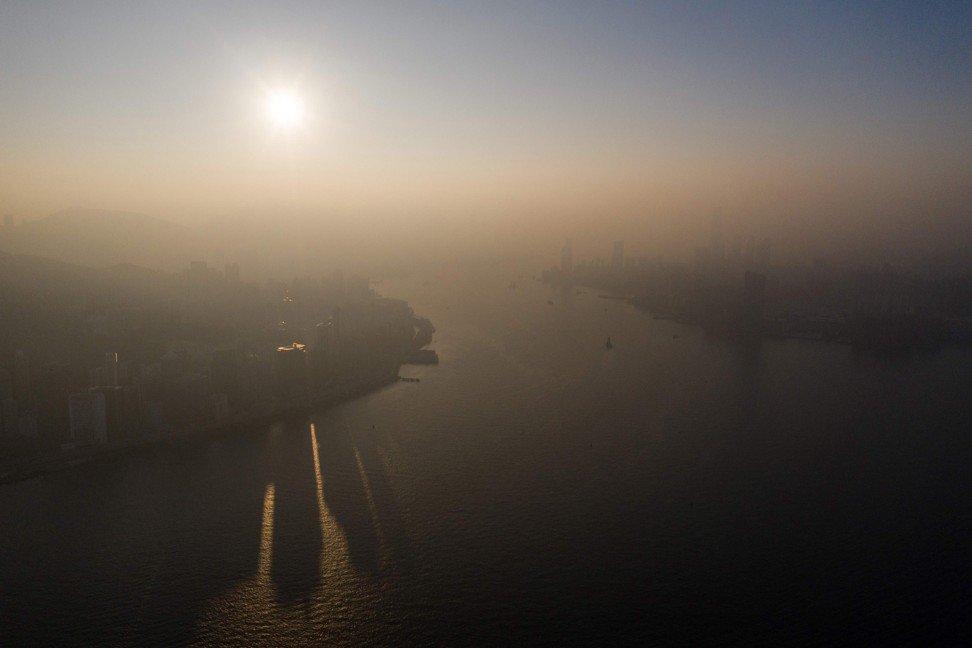 Haze over Hong Kong in December, 2018. Photo: AFP