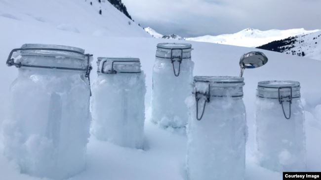 The snow samples from Tschuggen, Switzerland, are locked and ready for transport to Davos. (Photo: Kajetan Deja)