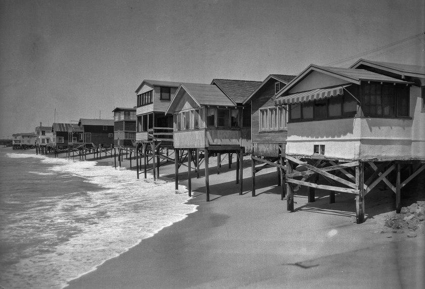 Beach houses in Newport Beach