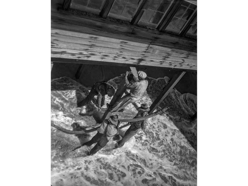 Newport Beach home damaged by high tides