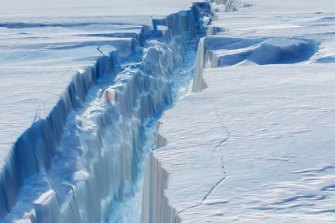 The Larsen ice shelf in Antarctica began to break up in the 1990s. Others are expected to follow, particularly those with large exposure to the warming Southern Ocean.