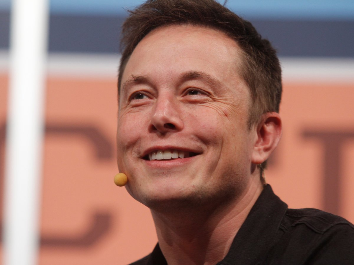 Elon Musk takes multitasking to the extreme