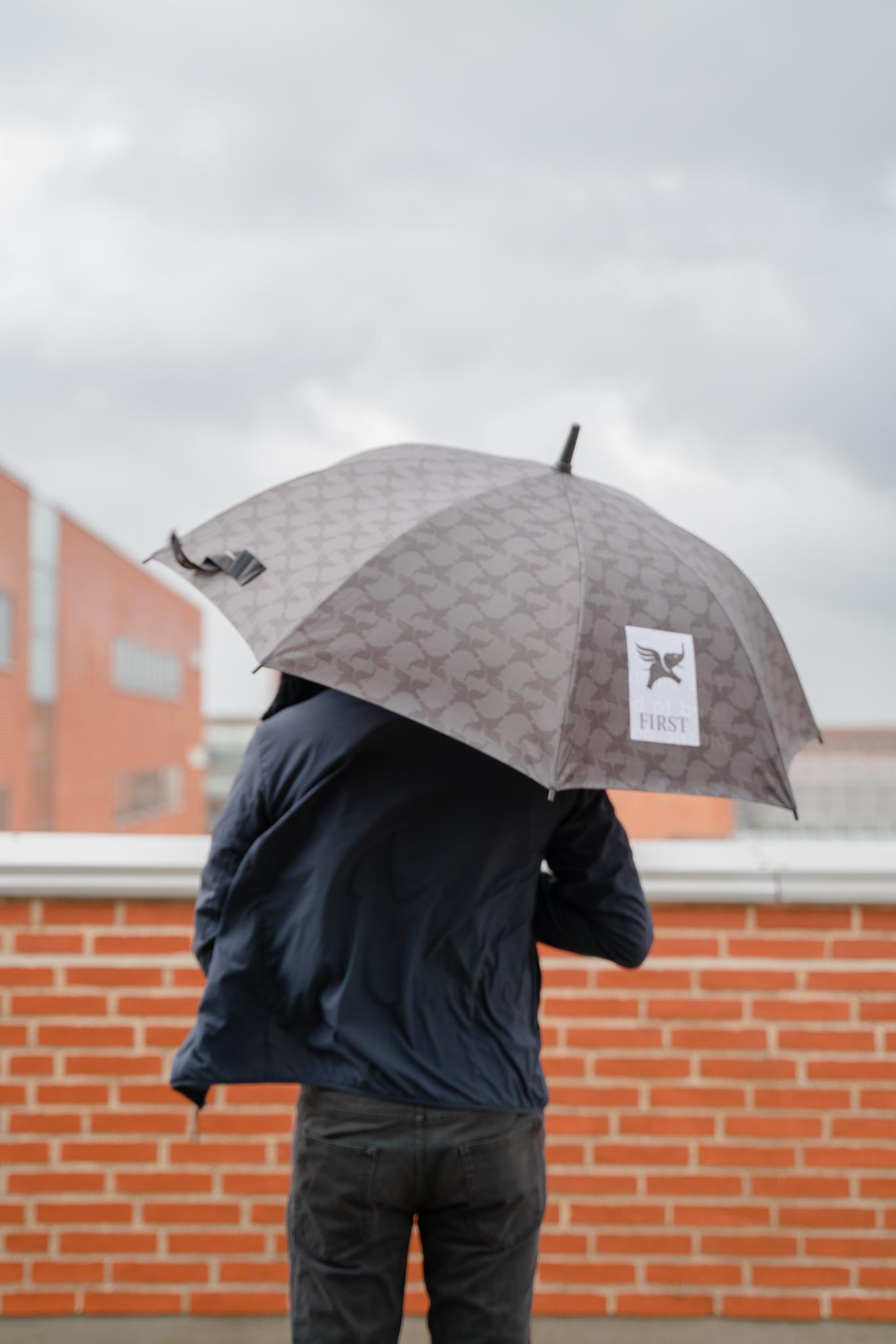Dripdrop umbrella stormproof