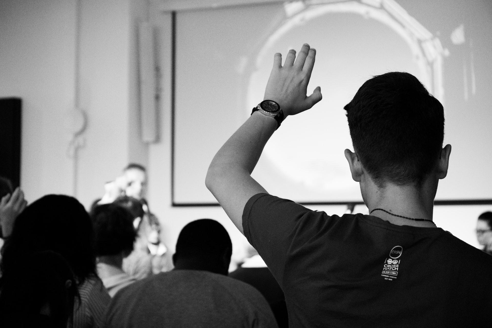 5 Tips yang Dapat Anda Lakukan Untuk Menarik Perhatian Peserta Ikut Dalam Seminar Online (Webinar)
