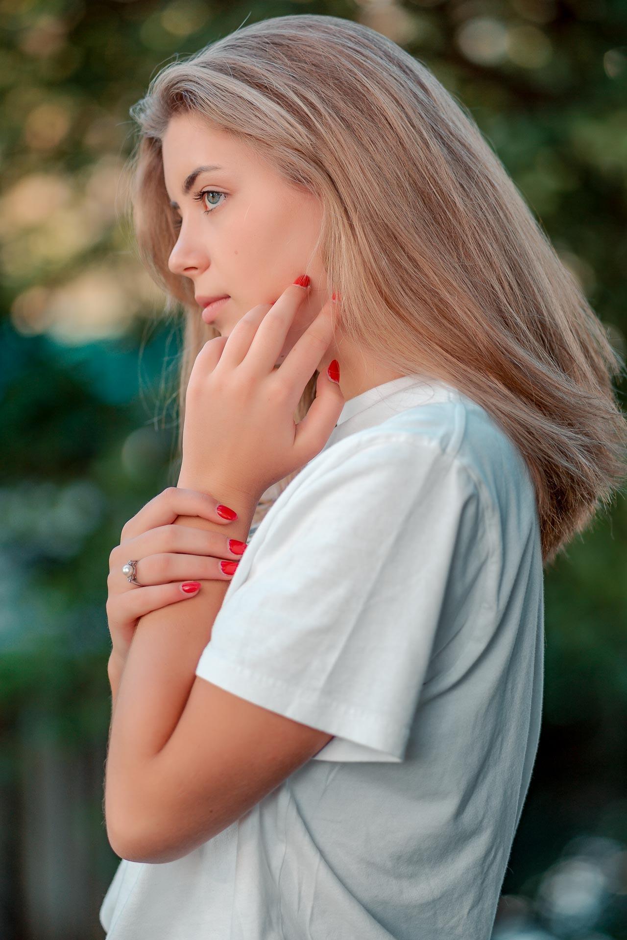 Sophie Portrait von der Seite