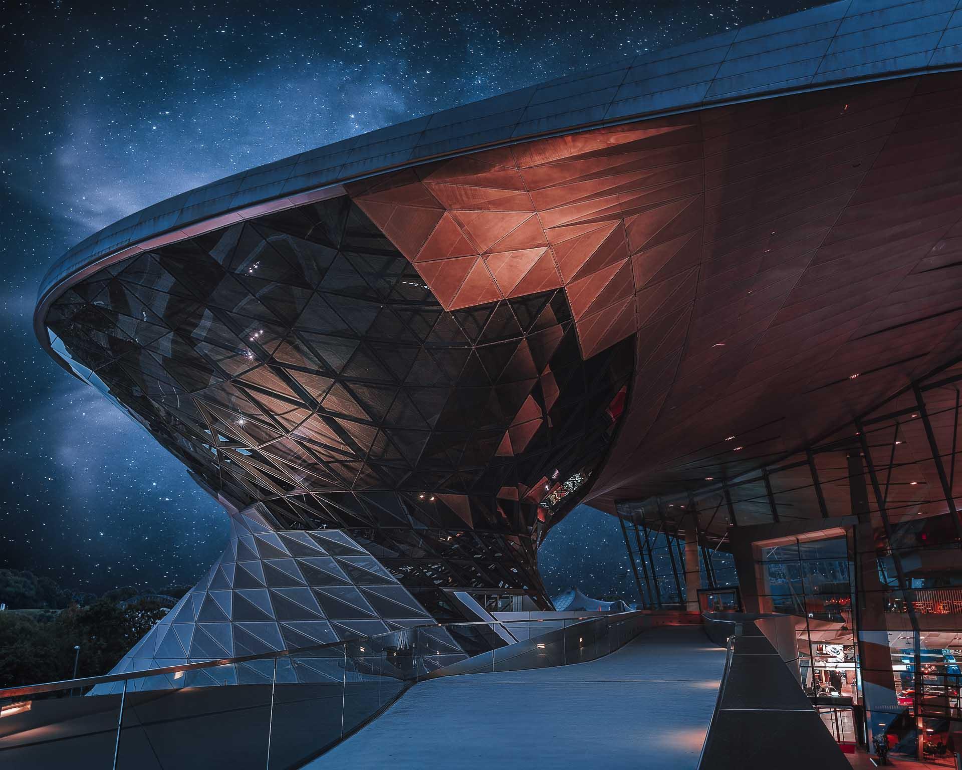 BMW Welt in galaktischer Atmossphäre