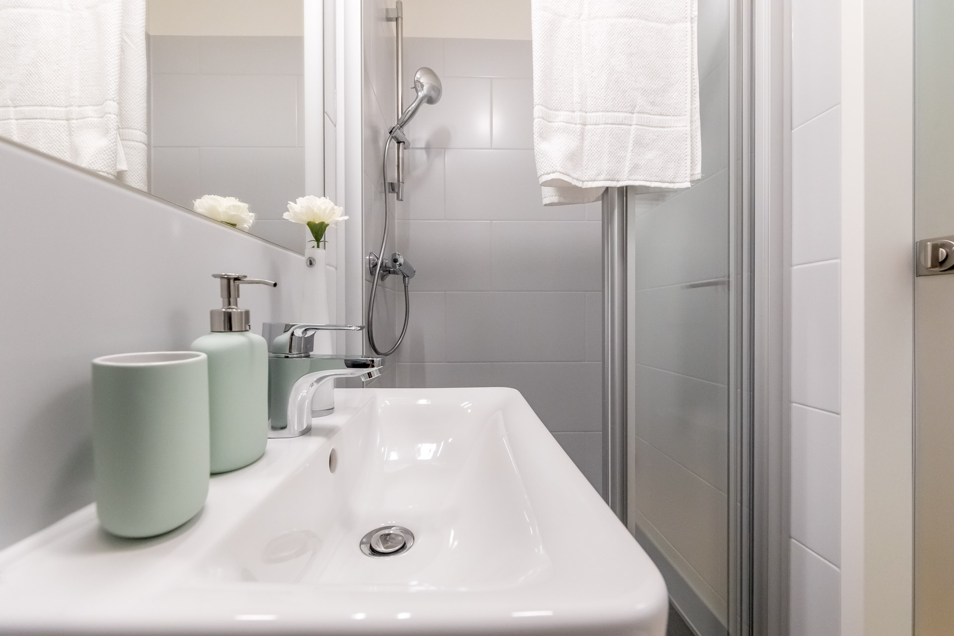 THE FIZZ Double Apartment - Badezimmer Close-Up