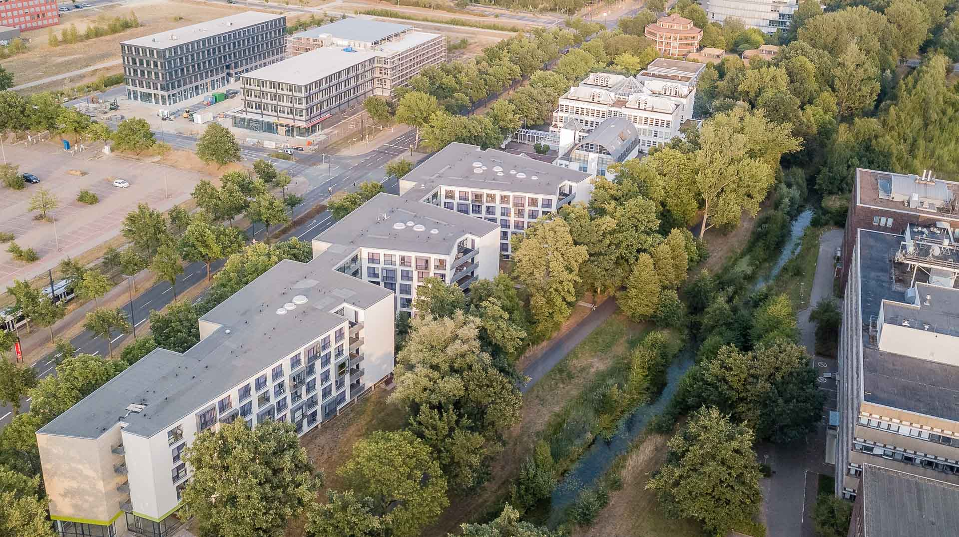 Luftaufnahme des THE FIZZ Bremen Gebäudes von der Rückseite