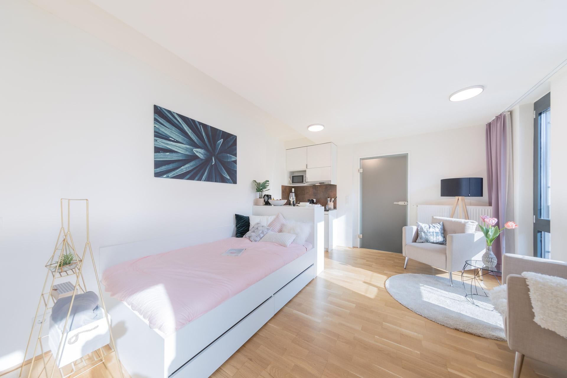 THE FIZZ Plus Wien X- Large Apartment - Schlaf- & Wohnbereich