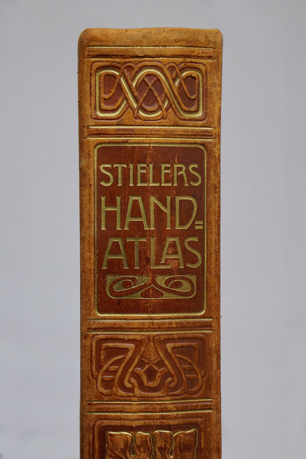 Stielers Handatlas - 9th edition of popular large german family atlas