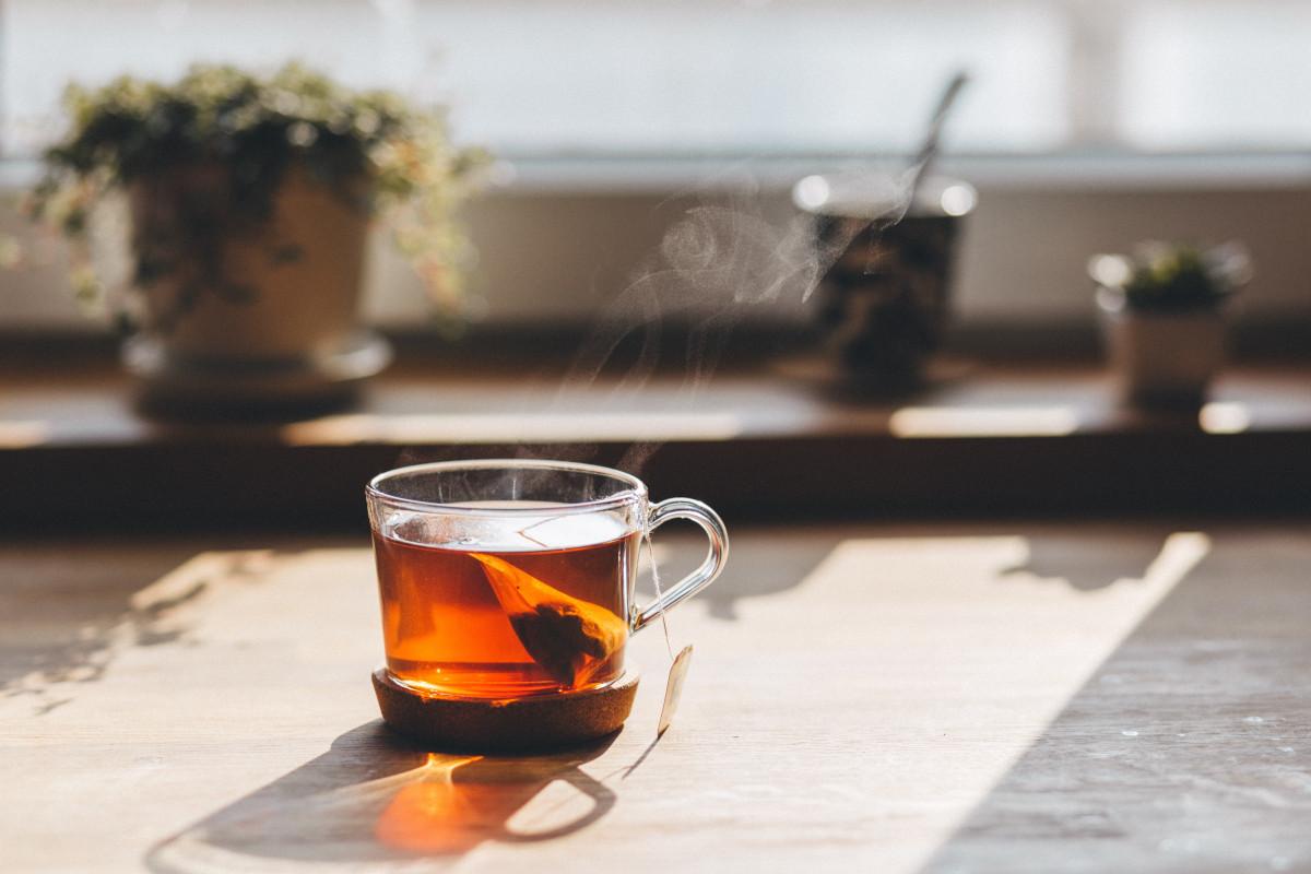 una taza de té para despertar