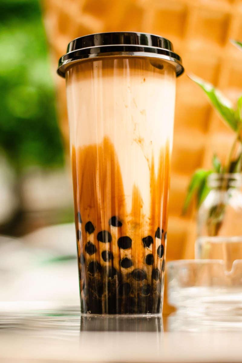 bubble tea con perlas de tapioca