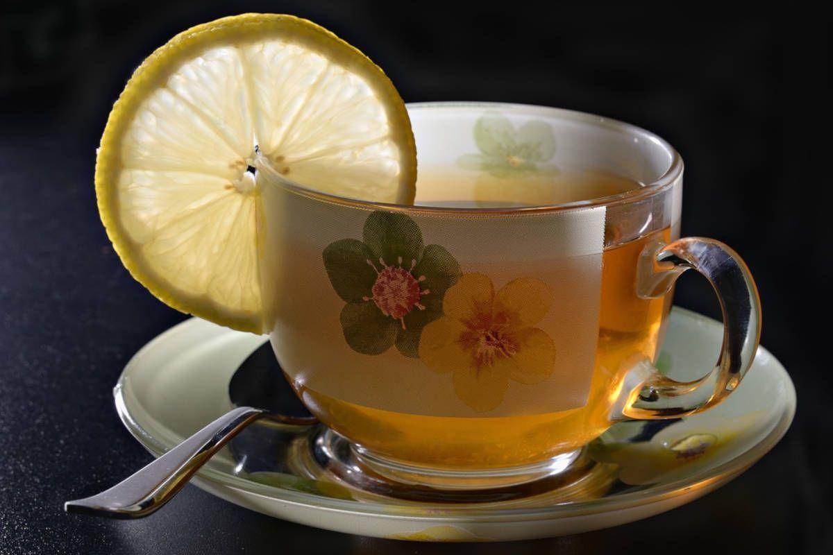 Té verde con limón, una combinación ganadora para la salud