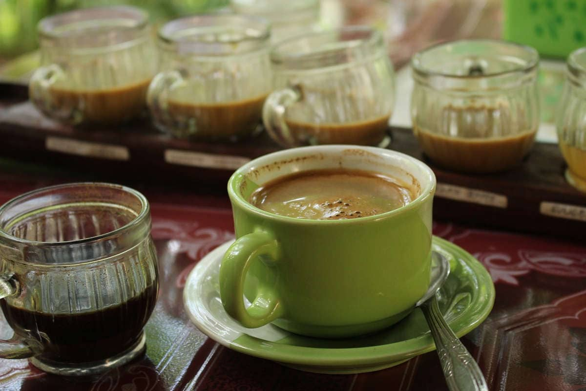 taza de café con espuma