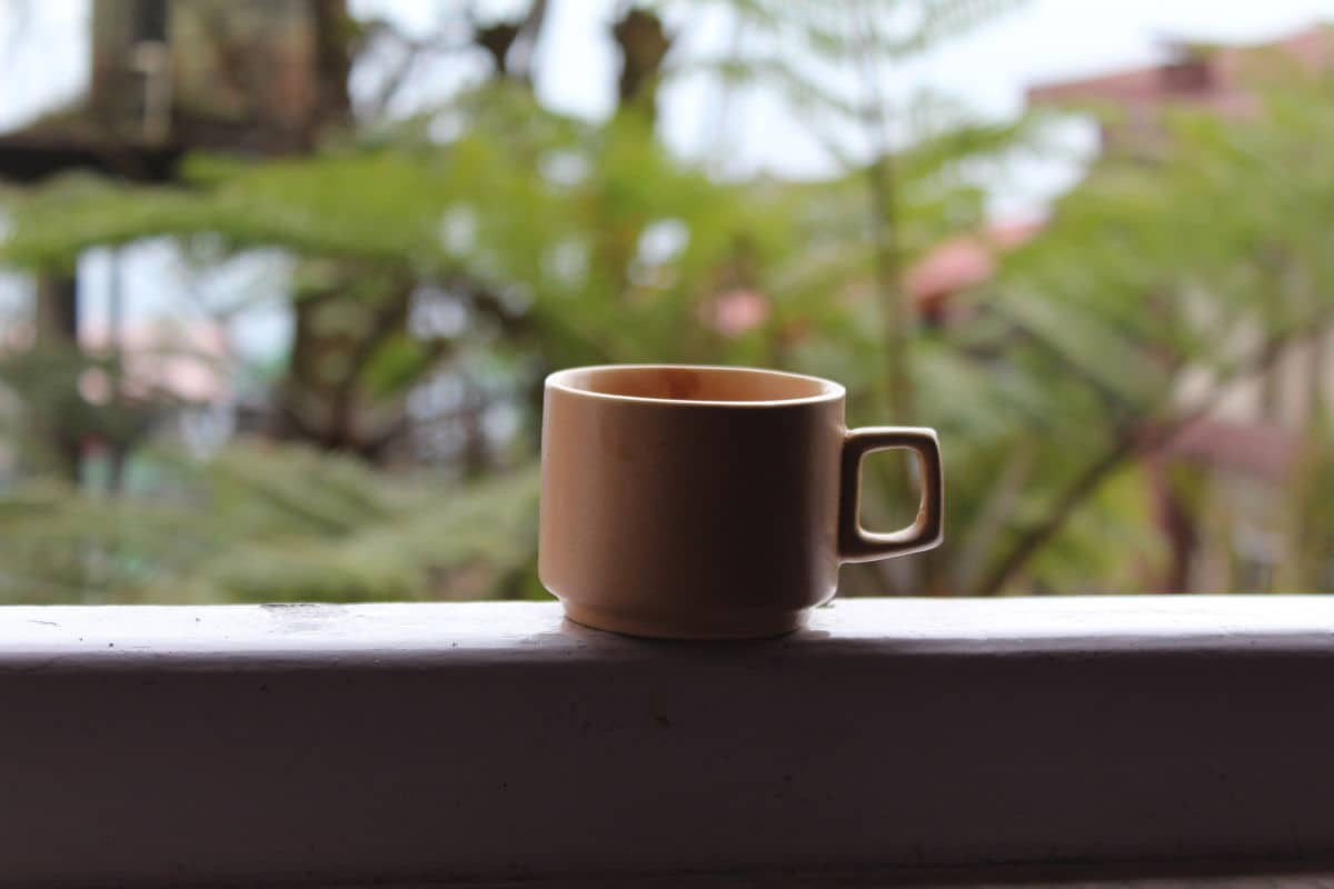 taza de té en la terraza