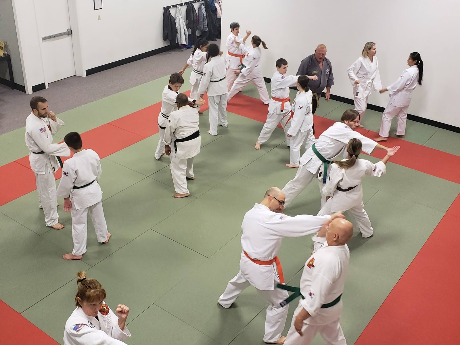 people doing Judo at Judo Hapkido