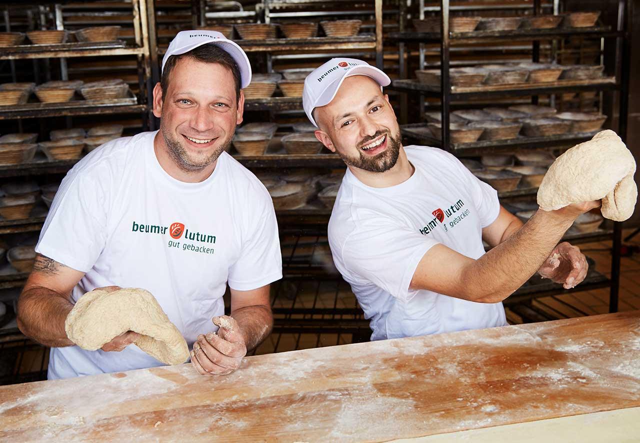 zwei Bäckermeister