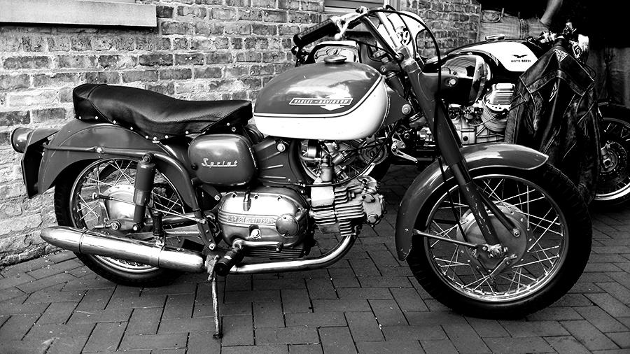 Photo of a vintage Harley-Davidson Sprint