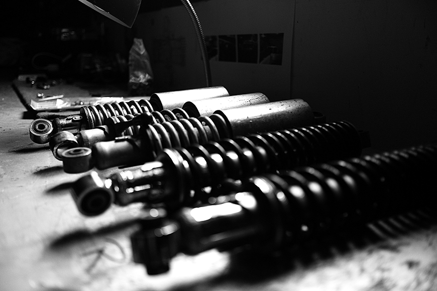 Photo of a collection of rear R75/5 shocks