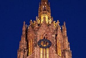 Frankfurter Dom Lichtinstallation