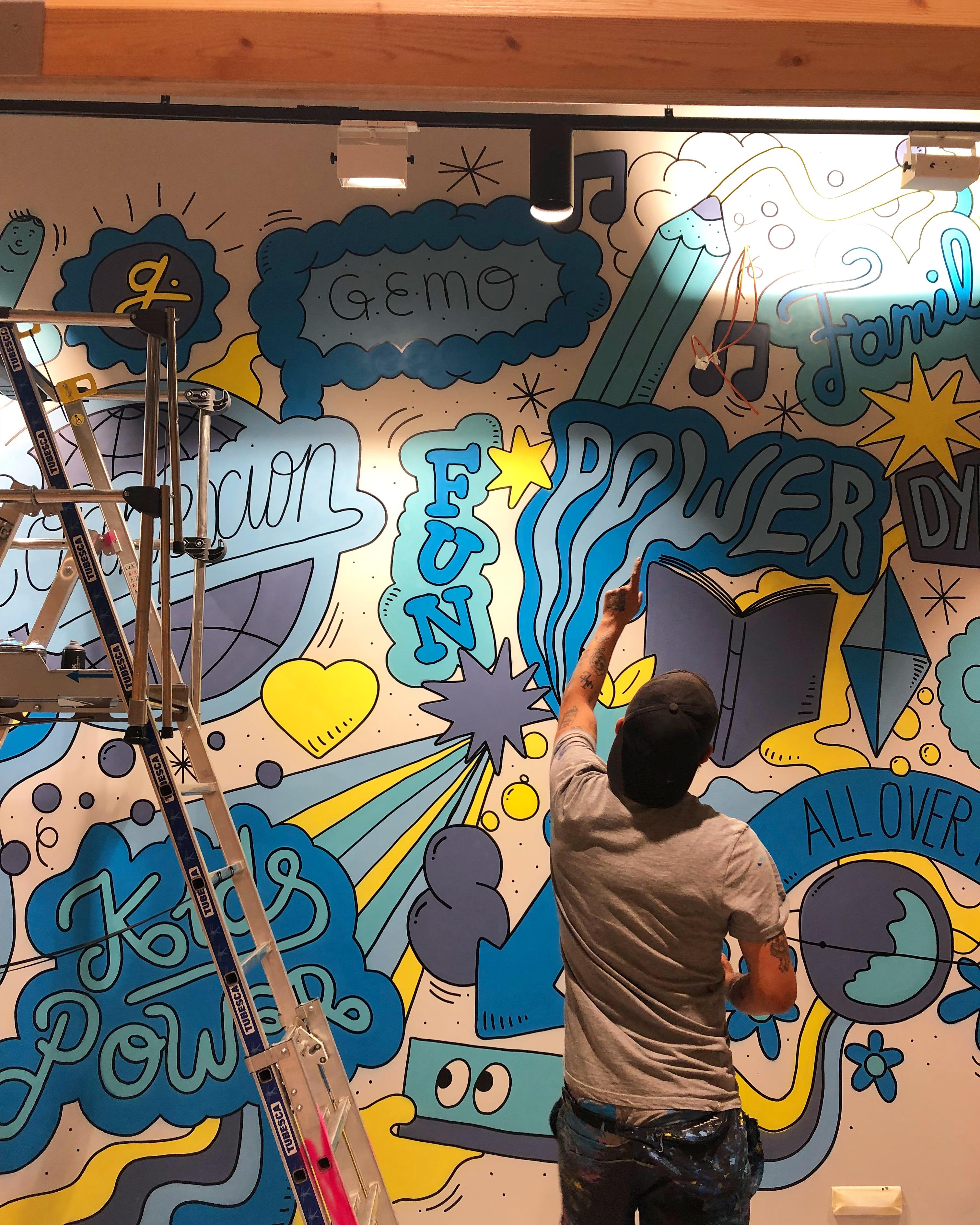 fresque mural realisée en graffiti
