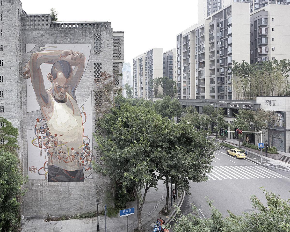 Personnage peint sur une façade d'immeuble