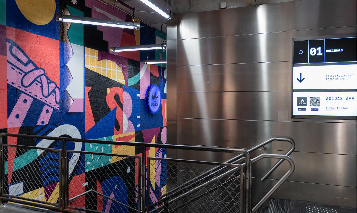 Design mural dans un magasin Adidas à Opéra Paris